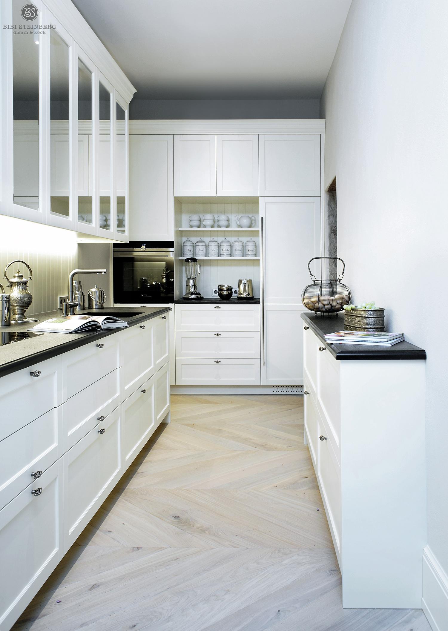 Suurekloostri köögimööbel